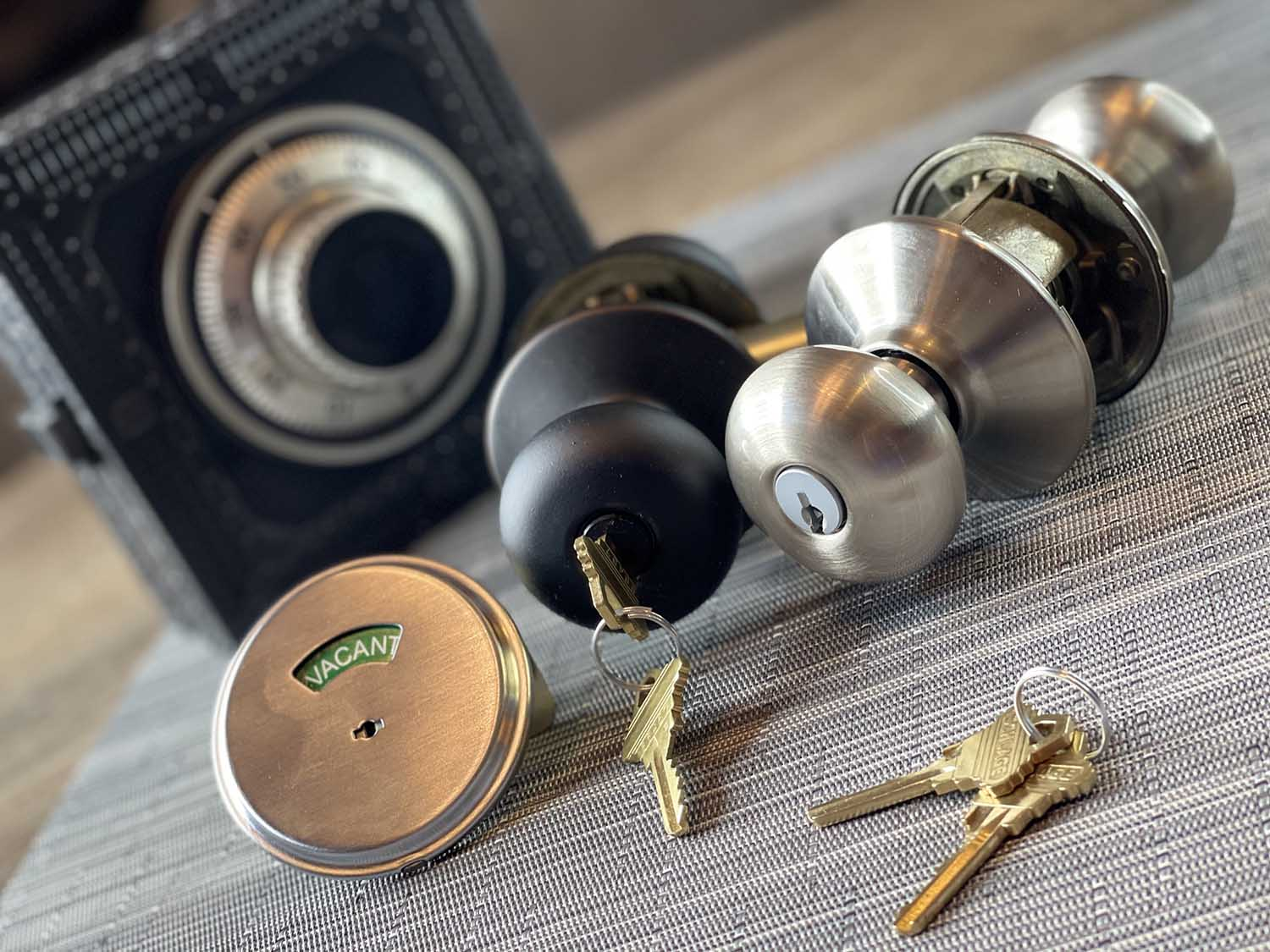 lock repair and replacement services - 24/7 Locksmith
